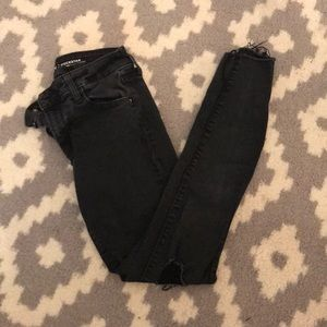 old navy black ripped skinny jeans